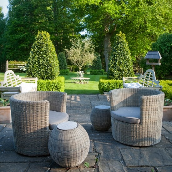 Elegant rattan garden furniture | Traditional gardens | Garden design ideas | PHOTO GALLERY | Housetohome.co.uk