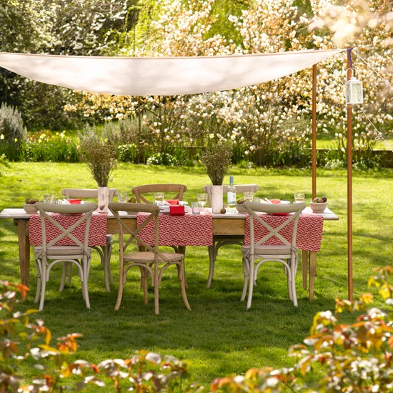 Alfresco dining area with canopy | Traditional gardens | Garden design ideas | PHOTO GALLERY | Housetohome.co.uk