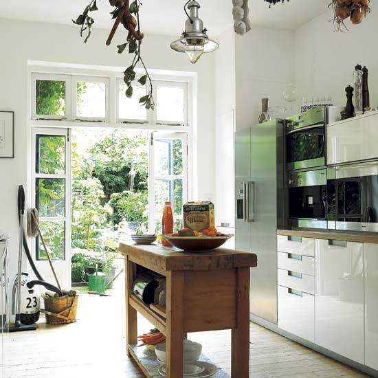 Kitchen cosmpolitan victorian terrace house tour for Modern victorian kitchen design