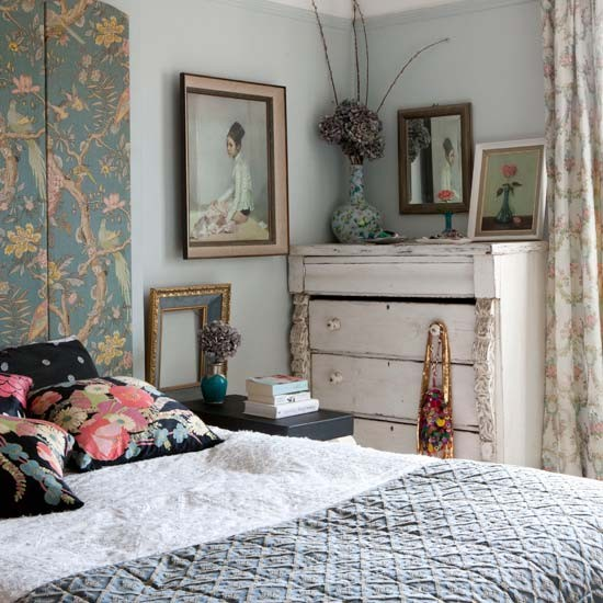 Bedroom eclectic victorian villa house tour for Victorian house bedroom ideas