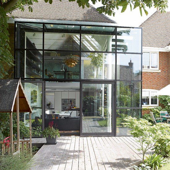 take a tour around a glass extension house