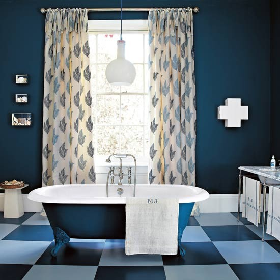Bold bathroom | Traditional bathroom | Image | Housetohome.co.uk