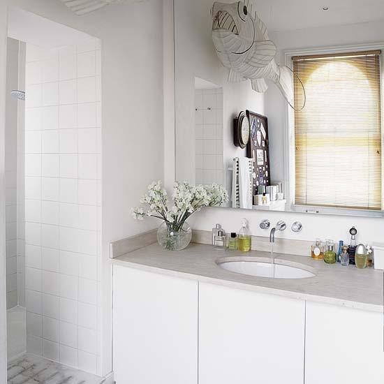 Bathroom spacious victorian family house tour for Victorian terrace bathroom ideas