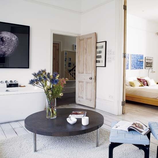 Open plan bedroom and bathroom spacious victorian family for Victorian terrace bathroom ideas