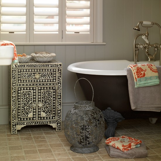 Decorating Ideas > Sophisticated Bathroom  Country Bathroom  Housetohomecouk ~ 043507_Quirky Bathroom Decorating Ideas