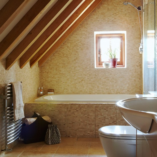Classic attic bathroom | Small bathroom design idea | Attic bathroom | Image | Housetohome