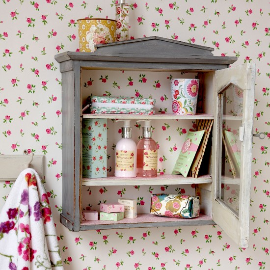 Country chic bathroom cabinet bathroom shelving ideas for Vintage bathroom ideas uk
