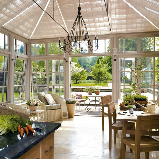 A room for all year use garden rooms 18 design ideas for Garden glass room