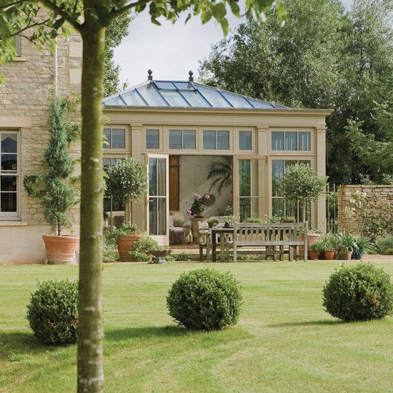 Classic conservatory | How to choose the ideal garden room | Conservatory design ideas | PHOTO GALLERY | Housetohome
