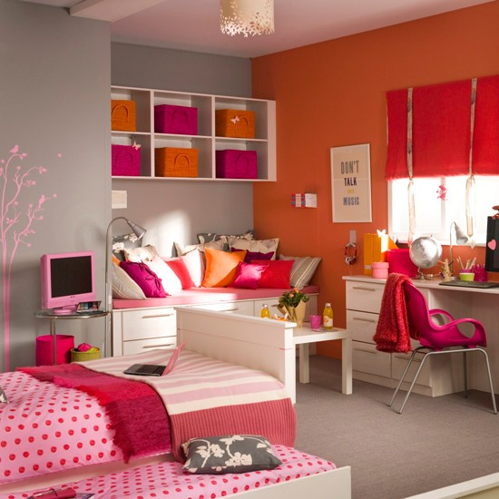 Vibrant girl 39 s bedroom teenage girls bedroom ideas for Girl bedroom designs