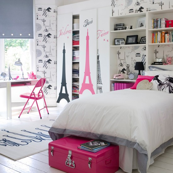 Paris theme girl 39 s bedroom teenage girls bedroom ideas for Girl themed bedroom ideas