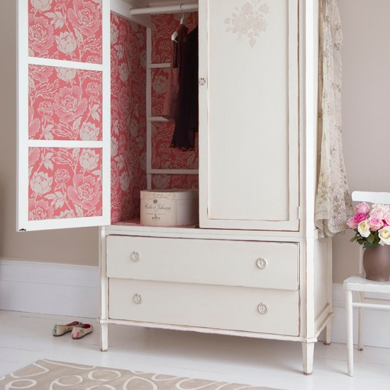 Bedroom wardrobe with damask wallpaper country bedroom for Damask wallpaper bedroom ideas