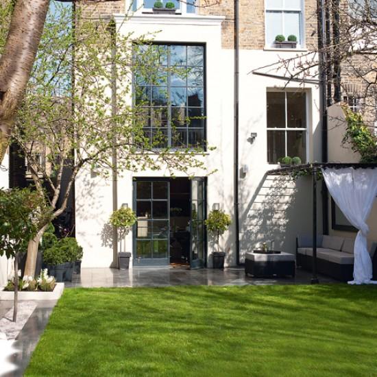 Modern garden with relaxed seating   Garden design   Garden room   Image   Housetohome