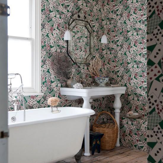 Patterned bathroom | Bathroom design | Pattern wallpaper | Image | Housetohome