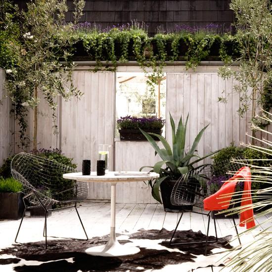 Outdoor Living Terrace Modern Courtyard Gardens