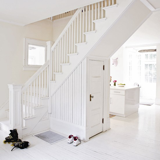 Cuarto De Baño Bajo Escalera:All White Staircase