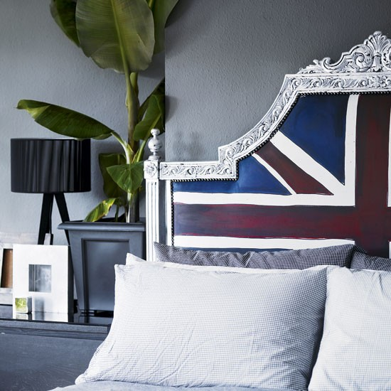 Iconic bedroom headboard | Jimmie Karlsson's upcycled London flat | House tour | Modern decorating ideas | PHOTO GALLERY | Livingetc | Housetohome