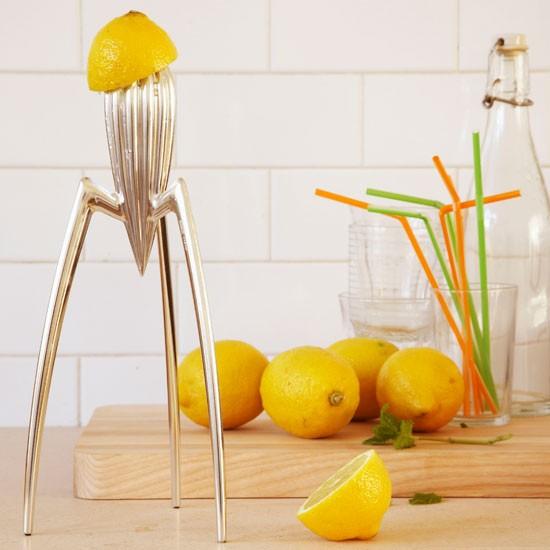 Juicy salif lemon squeezer by philippe starck livingetc Philippe starck first design