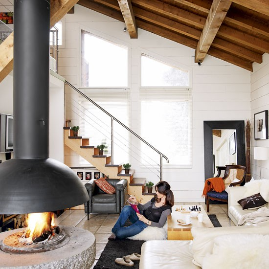 Living room romantic alpine chalet house tour - Chalet deco ...