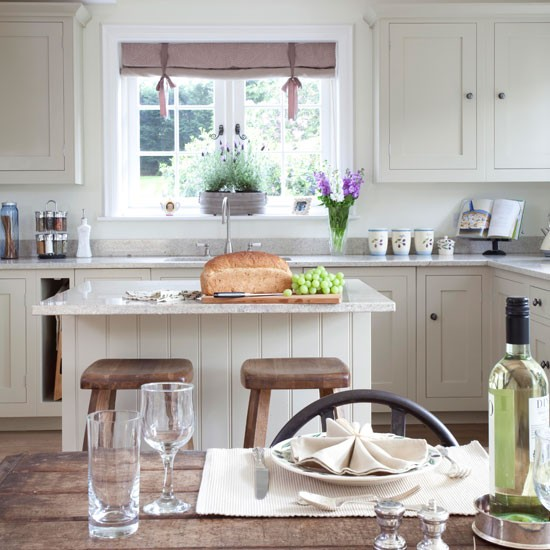 Rustic country kitchen-diner | Kitchen-diner ideas | Island unit | Image | Housetohome