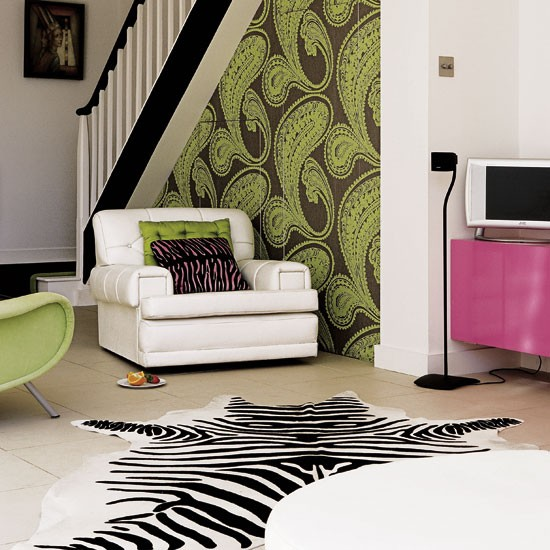 Living room wallpaper show stopping victorian terrace for Show home wallpaper uk