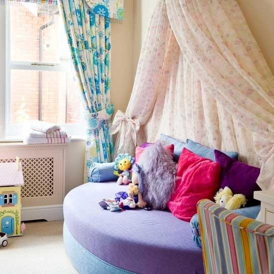 Girls bedding decoration children 39 s bedroom ideas for for Quirky room ideas