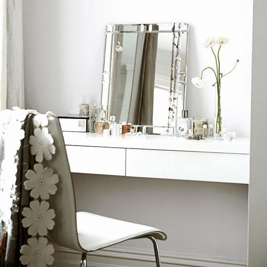 Bedroom dressing table | White Victorian terrace house | Real Homes | Livingetc house tour | PHOTO GALLERY | Housetohome