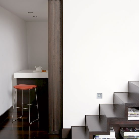 Stairs take a tour around a minimalist pad in earl 39 s for Minimalist house tour