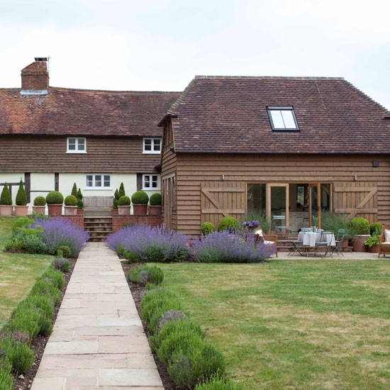 Exterior | Take a tour around a 17th-century cottage | House tour | PHOTO GALLERY | Housetohome.co.uk