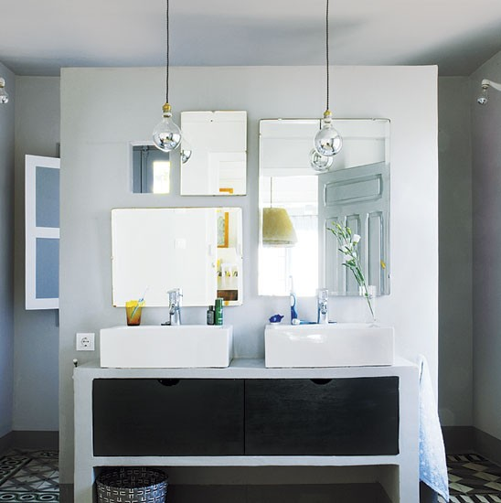 Double sinks bathroom | Spanish townhouse tour | PHOTO GALLERY | House Tour | Livingetc