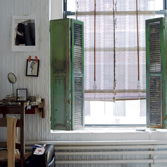 Shabby chic shutters stylist sibella court 39 s bohemia for Decorating with old windows and shutters