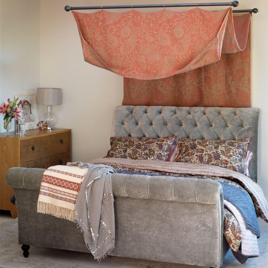 Hang a canopy country style ideas boutique chic for Chic boutique bedroom ideas
