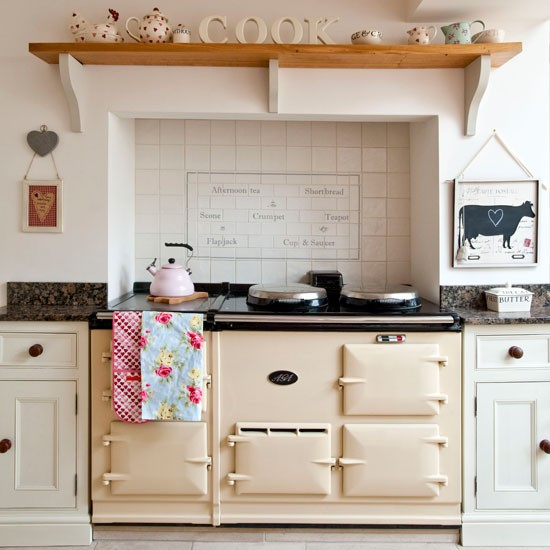 Neutral country kitchen | Kitchen design idea | Stove | Image | Housetohome