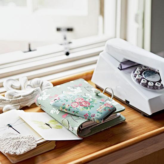 Home office telephone table   Office design   Retro phone   Image   Housetohome