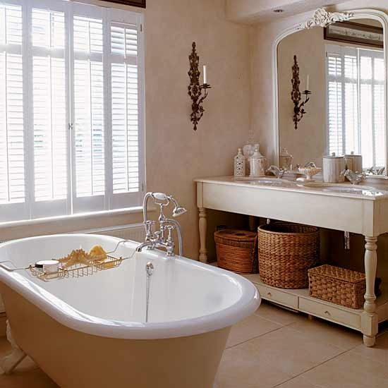 Bathroom | Take a tour around a classic 1930s home | House tour | PHOTO GALLERY | Housetohome.co.uk