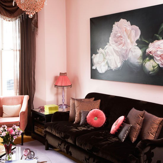 Warm pink living room | Velvet sofa | Living room idea | Image | Housetohome