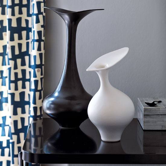 Add a modernist vase | Decorating with 1950s flair | Traditional decorating ideas | PHOTO GALLERY | Homes & Gardens | Housetohome