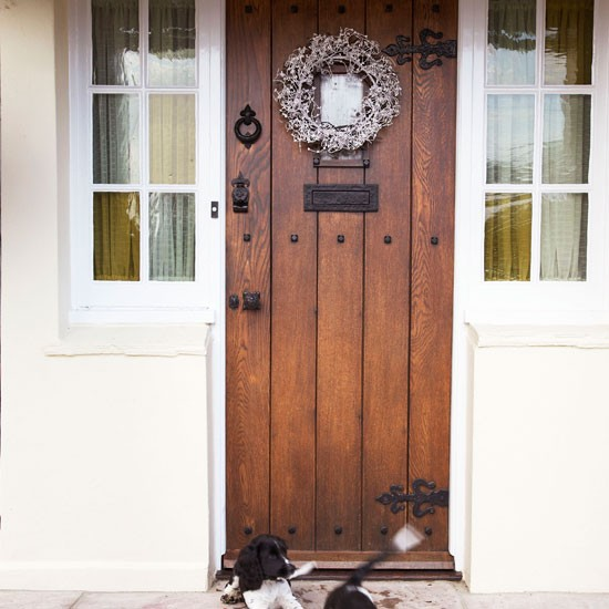 Smart front door | Step inside an Essex farmhouse dressed for Christmas | House tour | Christmas decorating ideas | PHOTO GALLERY | Homes & Gardens | Housetohome