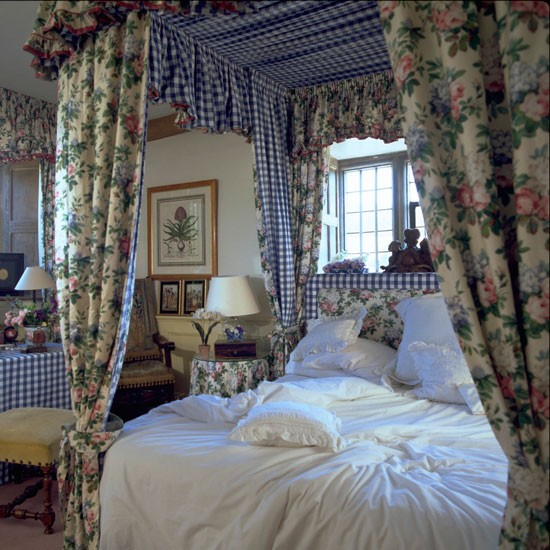 dressing a la polonaise celia rufey 39 s bedroom decorating