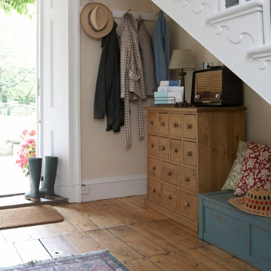Utilise staircase space | 10 decorating ideas for small hallways ...