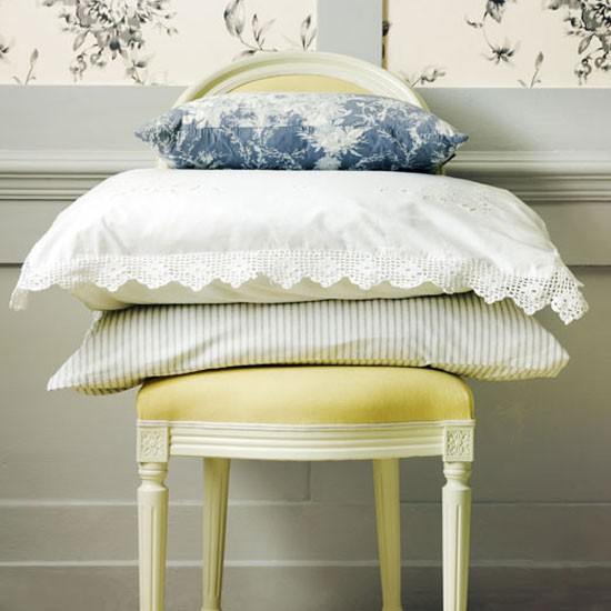 Layer with traditional linens | Country-house bedroom | Guest bedroom | Bedroom decorating ideas | PHOTO GALLERY | Housetohome