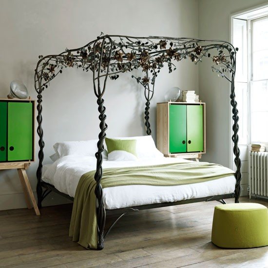 Vintage botanical bedroom | Metal bed frame | Bedroom decorating idea | Image | Housetohome