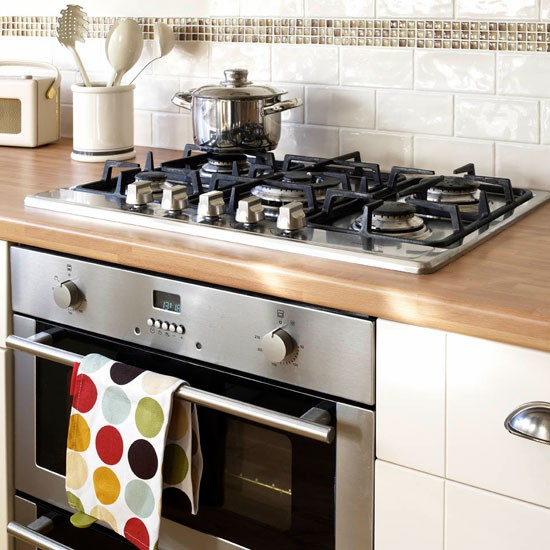 Hob And Oven Be Inspired By This Simple Shaker Kitchen