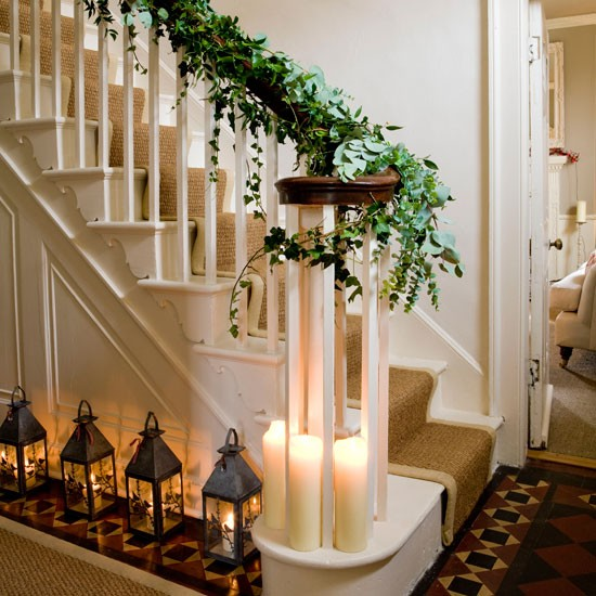Elegant And Neutral Christmas Foyer: Step Inside This Elegant Georgian House Tour
