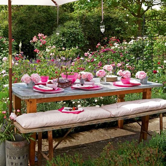 Pink garden tableware