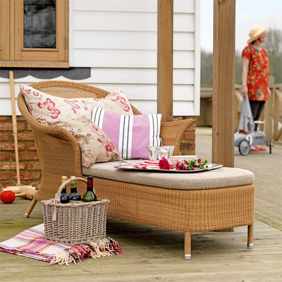 Pink garden chaise | Garden furniture | Garden inspiration | Image | Housetohome