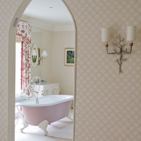 Romantic bathroom | Bath | Bathroom idea | Modern romance | Image | Housetohome