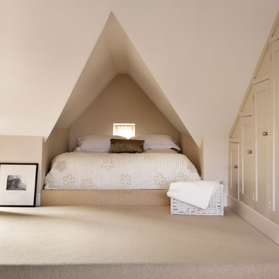 Neutral Attic Bedroom Idea Housetohomecouk