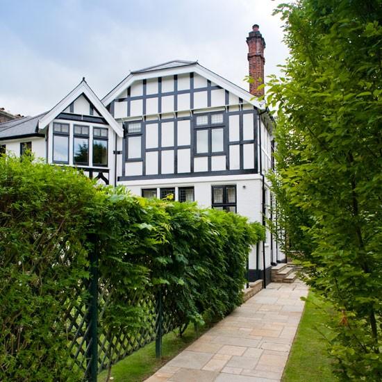 Exterior | Take a tour around a neo-classical home | House tours | Classic decorating ideas | PHOTO GALLERY | Homes & Gardens | Housetohome