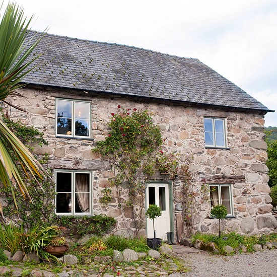 dating welsh houses Countrylivingcom/uk for anyone whose heart is in the country mixing homes and decorating with food and farming crafts and gardening.